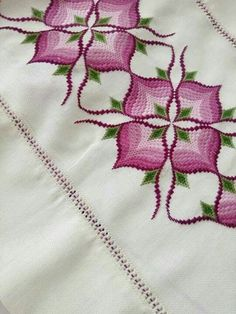 Border Embroidery Designs, Basic Embroidery Stitches, Hardanger Embroidery, Crochet Stitches Patterns, Embroidery Hoop Art, Embroidery Techniques, Cross Stitch Embroidery, Cross Stitch Patterns, Bargello Quilt Patterns