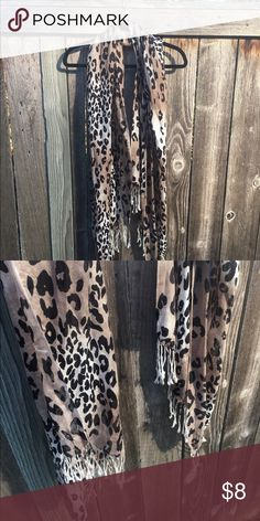 Cheetah Print Scarf Cheetah print scarf, perfect add on to a basic outfit! Accessories Scarves & Wraps