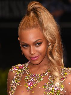 This St. Louis Teen Slayed Prom With This Beyoncé Inspired Look+#refinery29