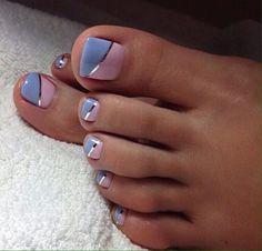 toe nail art designs, toe nail art summer, summer beach toe nails - The most beautiful nail designs Beach Toe Nails, Summer Toe Nails, Toenail Art Summer, Beach Nail Art, Pretty Toe Nails, Cute Toe Nails, Glitter Toe Nails, Diy Nails, Gold Glitter
