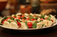 Caprese Salad Skewers! Easy & healthy...