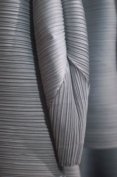 Issey Miyake & Taschen – Pleats Please Issey Miyake – Launch Party Paris ©lepar… – Fashion Design Issey Miyake, Vetements Clothing, Geometric Origami, 3d Mode, Japanese Fashion Designers, Origami Fashion, Fabric Manipulation, Japanese Culture, Fashion Details