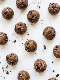 I used to buy these peanut butter & chocolate chip energy balls from Liquiteria before my workout class and spend $6-7 on three balls—it was a delicious but pricey habit. Now I make my own…  read more paleo dessert oatmeal