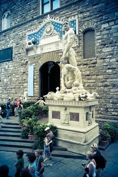 The impressive white marble sculpture of Hercules and Cacus at the entrance of the Palazzo Vecchio in the Piazza della Signoria. Florence Italy with Magdalen Nabb in Death of a Dutchman Firenze Italy, Tuscany Italy, Florence Tuscany, Rome Italy, Italy Vacation, Italy Travel, Places To Travel, Places To See, Renaissance