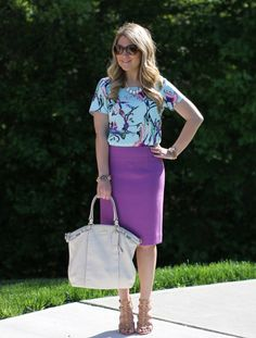 How to Wear Spring Florals: 3 Bloggers x 3 Ways - Click through to see two other floral outfit ideas!