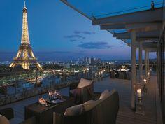 """O Shangri-La Hotel Paris apresenta """"Toy Egg"""", um ovo de Páscoa original e lúdico"""