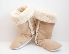Sew Can Do: DIY Sherpa Boots? Oh Yeah!!!