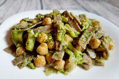 Pizzoccheri con ceci, broccoli e panna vegetale