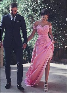 Glamorous Chiffon Off-the-shoulder Neckline Mermaid Formal Dresses With