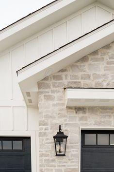 Stone Exterior Houses, House Paint Exterior, Dream House Exterior, Exterior House Colors, Exterior Design, Stone Houses, Garage Exterior, Garage Doors, White House Exteriors