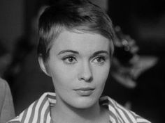 Jean Dorothy Seberg November 13 1938 August 30 1979 was an American actress She starred in 34 films in Hollywood and in Europe including Saint Joan