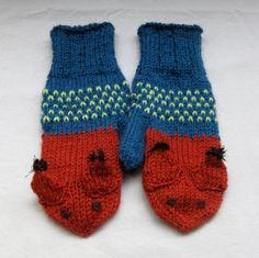 Squirrel mittens in brown and petrol blue for by SaijaSkills, €21.00
