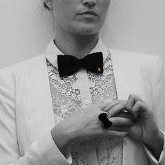 Coffret femme, noeud papillon et boutons de manchette fait à la man au crochet, Made in France, www.histoiredecadeau.com