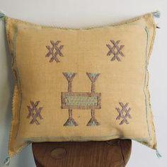 Floor Cushions, Cushions On Sofa, Throw Pillows, Cushion Covers, Pattern Design, Cactus, The Incredibles, Colours, Boho