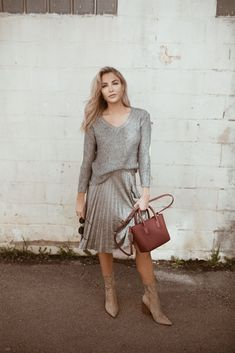 Pleats for Spring - Cara Loren Cara Loren, Monochromatic Color Scheme, Sweater Skirt, Modest Fashion, Chic, My Style, Spring, Skirts, Sweaters