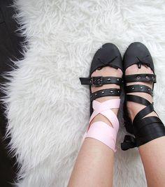 DIY by: @streetchicto Miu Miu Ballet Flats, Diy, Fashion, Moda, Bricolage, Fashion Styles, Do It Yourself, Fashion Illustrations, Homemade