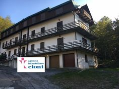 Agenziacioni.com propone: Appartamento Abetone Uccelliera Bar Alpino Tre Vani Mq 80 Riscaldamento Autonomo Gas GPL Garage privato e cantina Prezzo di vendita € 139.000 Trattabili.