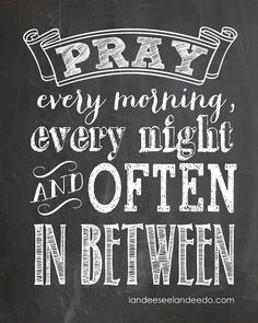FREE Pray Printable - Awesome chalkboard printable. Great for a kids room! Free Printables #free
