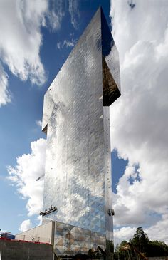 Scandic Victoria Tower in Stockholm: by Wingårdh Architects