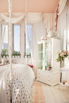 Dormitorio de princesa creado por Lorenzo Meazza y Rocio Romero, de IKEA, en Madrid 2012
