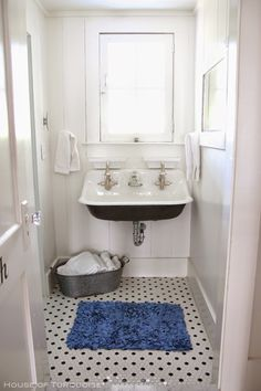 House of Turquoise: Southern Tides - Tybee Island, Georgia - Part 2, trough sink, black and white floor tile