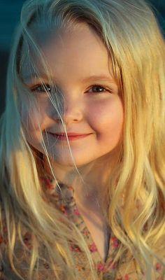 Beautiful little princess Beautiful Little Girls, Beautiful Smile, Beautiful Children, Beautiful Babies, Beautiful People, Baby Kind, Cute Baby Girl, Cute Babies, Child Face