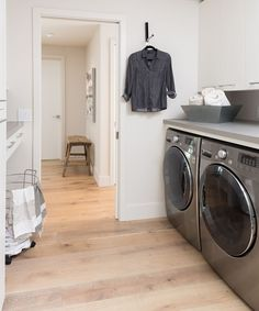 Hanging out in the laundry room just got a lot better! Katrina Stumbos created this sleek design with Concrete counters. Gray Quartz Countertops, Concrete Countertops, Caesarstone Concrete, Laundry Room Design, Laundry Rooms, Front Load Washer, Shower Surround, Concrete Design, Counter Space