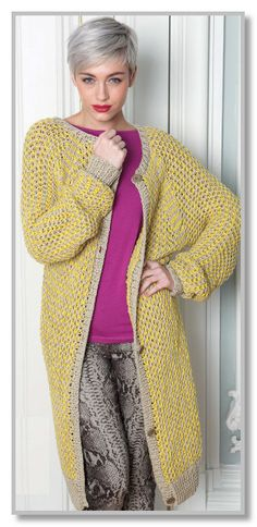 Вязание спицами. Длинное двухцветное пальто с сетчатым узором. Размер 32-36 [38-42]