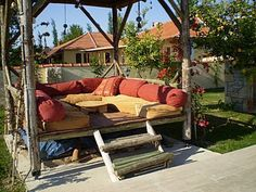 Tips to Choose Outdoor Patio Furniture - Great Affordable Backyard ideas Backyard Fort, Backyard Seating, Outdoor Seating Areas, Outdoor Spaces, Outdoor Couch, Outdoor Pergola, Outdoor Living, Garden Sitting Areas, Tree House Plans