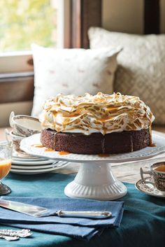 Full-bodied ale enhances the batter of this classic Stout Cake. Cloudily ripples of toasted meringue balance the dessert's robust chocolate flavor, while drizzles of whiskey caramel echo its depth. Cheese Recipes, Cake Recipes, Fall Baking, Homemade Desserts, Chocolate Flavors, Let Them Eat Cake, Tray Bakes, No Bake Cake, Baked Goods