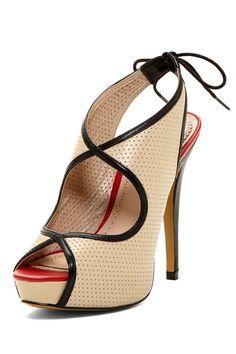 Pour La Victoire Audrey Platform Heel