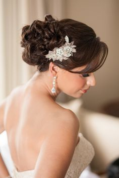 Hairstyle + Hair Accessory | On SMP | http://www.stylemepretty.com/florida-weddings/2013/11/18/gold-navy-inspiration-shoot-from-fabulously-chic-weddings-jamie-lee-photography Photography: Jamie Lee Photography