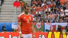 Xuất hiện cổ động viên mặc áo cờ đỏ sao vàng trên khán đài EURO 2016