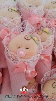 Hand made personalized gifts puppet wedding favors baby favors dolls baby dolls favors gifts hand personalized puppet wedding – Artofit Baby Shower Crafts, Baby Crafts, Felt Crafts, Baby Shower Parties, Diy And Crafts, Baby Shower Themes, Baby Shawer, Felt Baby, Felt Dolls