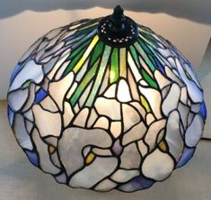 Stained Glass Lamp Shades, Stained Glass Rose, Tiffany Stained Glass, Stained Glass Patterns, Stained Glass Windows, Tiffany Lamps, Modern Sculpture, Vintage Lamps, Glass Art