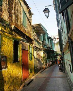 streets of Macao 2017/2/7(火) よい色😃💕。 #マカオ #macau #macao #澳門 #마카오 #macau_ig #タイパ #taipa #taipavillage #建物 #建築 #건축물#architecture #architecturelovers #archilovers #ig_architecture #instabuilding #buildinglovers #路地 #alley #街並み #街歩き #街角  #townscape #cityscape #instatravel #travelgram #livelovemacau #visitmacau #discovermacau (2017/1/3撮影)