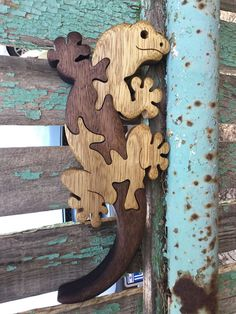 Lizard puzzle kids gift Wooden toy Wooden puzzle Wooden Bois Intarsia, Intarsia Holz, Wood Projects For Kids, Kids Wood, Scroll Saw Patterns, Wood Patterns, 3d Templates, Wooden Statues, Wood Carving Tools