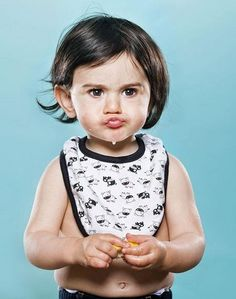 The Priceless Facial Expressions Of Babies Eating Lemons For The First Time. It's Adorable! Cute Photos, Baby Photos, Baby Pictures, Eating Lemons, Cute Babies, Baby Kids, 4 Kids, Dominique Ansel, Baby Eating
