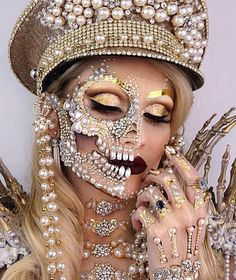 Is there really such a thing as too much bling. HipHopBling will have you blinged out for a fraction of the cost. Skeleton Makeup, Skull Makeup, Makeup Art, Skeleton Girl, 50s Makeup, Makeup Eyes, Fairy Makeup, Mermaid Makeup, Mermaid Hair