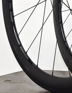 Our STAYER carbon rims : clincher, tubeless-ready or tubular, rim-brake or disc. For road, mountain bike, cyclocross, gravel or track cycling! Custom and hand built with the right hubs and spokes that suit your needs.