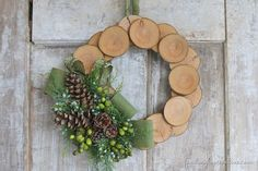 Wood Slice Burlap Christmas Wreath + 35 DIY Inspiring Unique Christmas Wreaths would be pretty with rose hips Burlap Christmas, Noel Christmas, Christmas Wreaths, Christmas Decorations, Christmas Ornaments, Handmade Christmas, Christmas Parties, Paper Decorations, Vintage Christmas