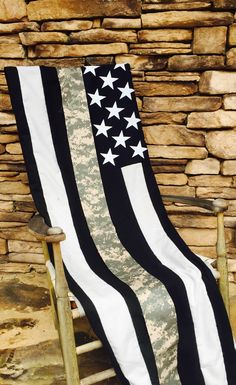 US ARMY The Thin Line Throw/ Blanket Amazingly soft and great representation of the Army patch commonly worn. Represent the brotherhood, friends, and family with this awesome U.S. ArmyThin Line Blanke