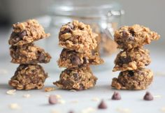 I would definitely try the peanut butter/banana/oat/chocolate chip cookies Source by ameliaisley Sugarless Cookies, Gluten Free Chocolate Chip Cookies, Peanut Butter Banana Oats, Chocolate Peanut Butter, Chocolate Oatmeal, Chocolate Chips, Baking Recipes, Dessert Recipes, Sugar Free Desserts