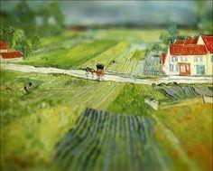 Artcyclopedia a rajouté aux peintures de Van Gogh l'effet de bascule célèbre pour donner un aspect macro aux photographies, il y en a d'autres sur le site.