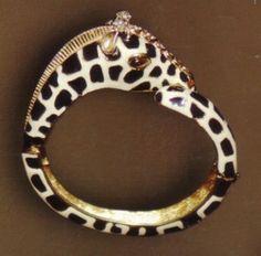 Animal instinct. #finishthelook #vintage  Diane Love's giraffe bracelet design for Trifari circa 1970