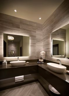 Roxy Bathroom detail
