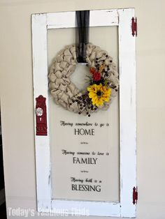 Today's Fabulous Finds: Fall Burlap Wreath I wanted a reminder about the sayings on the door Ornament Tutorial, Wreath Tutorial, Burlap Bubble Wreath, Burlap Wreaths, Mesh Wreaths, Printable Calendar Template, Kids Calendar, Painted Sticks, Old Windows