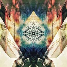 "@skeyefi's photo: ""skEYEfi.  #me#selfportrait#miscomunicado#playpositive#allseeingeye#pyramids#eye#abstract#skyporn#skypainters#original#glitchmobinspired#mirrorgram#plpix#ilovesickdrops#expandyourmind#foco#fortcollins#colorado#coloradolove#colorfulcolorado#rockymountainhigh#peace#love#music#art#bHappie#skEYEfi"""