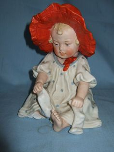 Lovely Gebruder Heubach Piano Baby Bonnet Doll