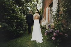 Logan-Cole-Photography-Samuel-Hildegunn-Taipale-wedding-france-00731-1024x682